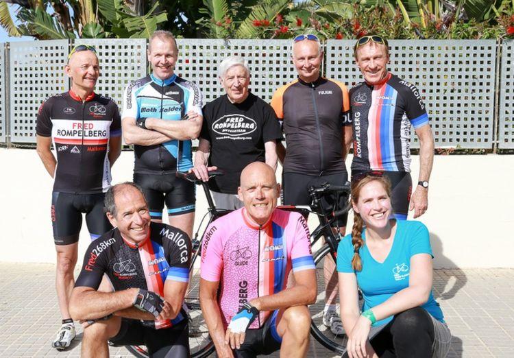 Picture 11: Fred Rompelberg 268 km: Dries van Agt, Gerd Leers, Gerard van Velde and Jan and Fons van Katwijk as guests with us on Mallorca.
