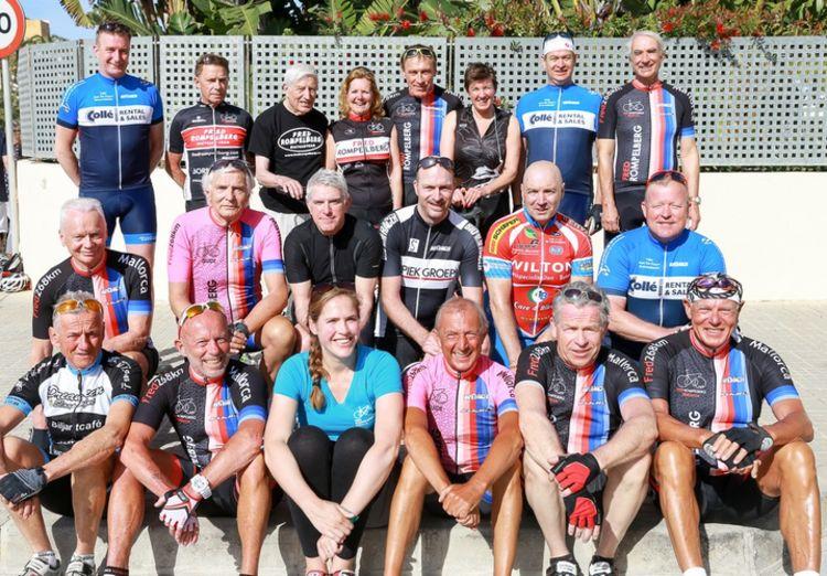 Picture 16: Fred Rompelberg 268 km: Dries van Agt, Gerd Leers, Gerard van Velde and Jan and Fons van Katwijk as guests with us on Mallorca.