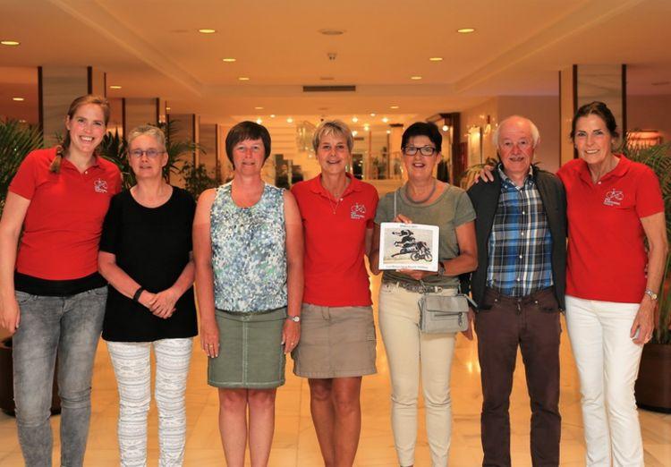 Picture 5: Fred Rompelberg 268 km: Dries van Agt, Gerd Leers, Gerard van Velde and Jan and Fons van Katwijk as guests with us on Mallorca.