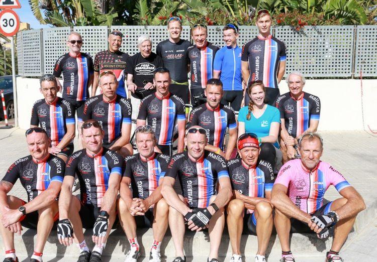 Picture 8: Fred Rompelberg 268 km: Dries van Agt, Gerd Leers, Gerard van Velde and Jan and Fons van Katwijk as guests with us on Mallorca.