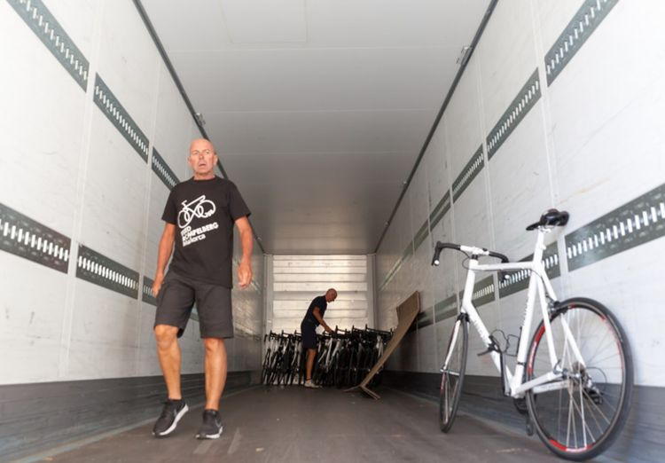Picture 12: Fred Rompelberg 268 km: Trailer with the sold bicycles come from Mallorca to the Netherlands.