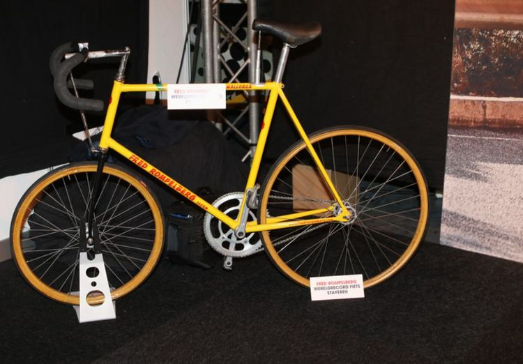 Picture 5: Fred Rompelberg 268 km: Cycling Exhibition in MECC in Maastricht, the Netherlands is a success!