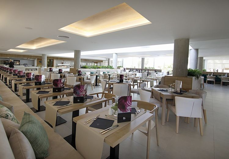 Picture 11: Fred Rompelberg 268 km: SUPER PRICES, gives us our new hotel Rei del Mediterrani Palace in Alcudia!