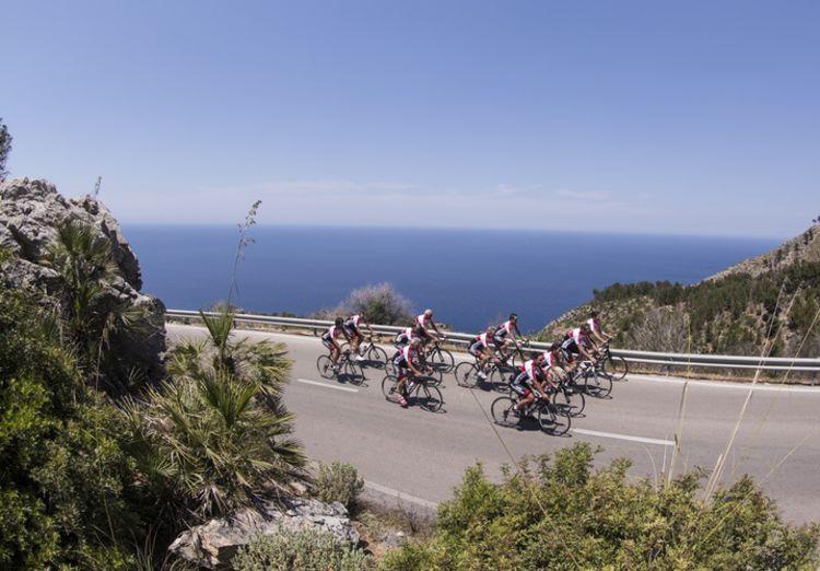 Picture 17: Fred Rompelberg 268 km: Come to Mallorca and take advantage of our new Fuji bikes!